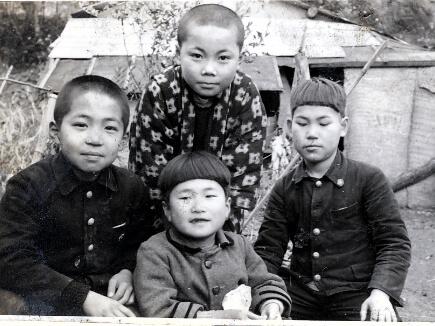 四代目と近所のお友達(昭和30年代)